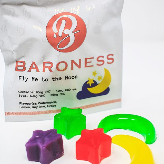5 pieces Fly Me to the Moon Gummies 10 mg THC:10 mg CBD
